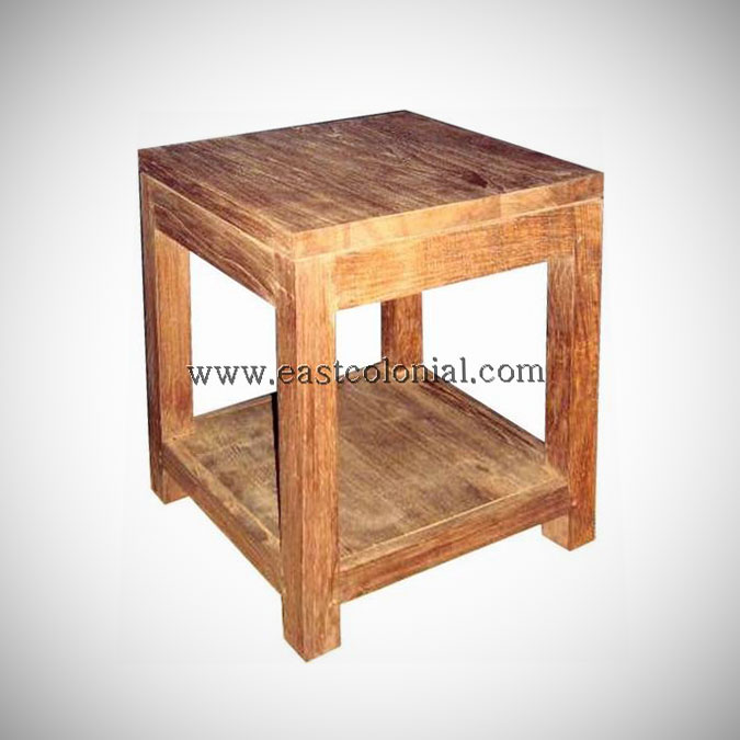 Solo Coffee Table Square Medium w Shelf