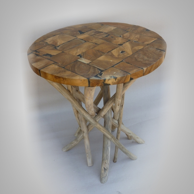 Round resine table