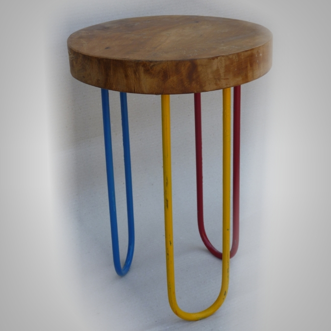 Stool warna warni